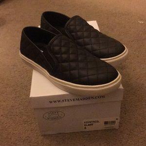 new! steve madden slip on shoes